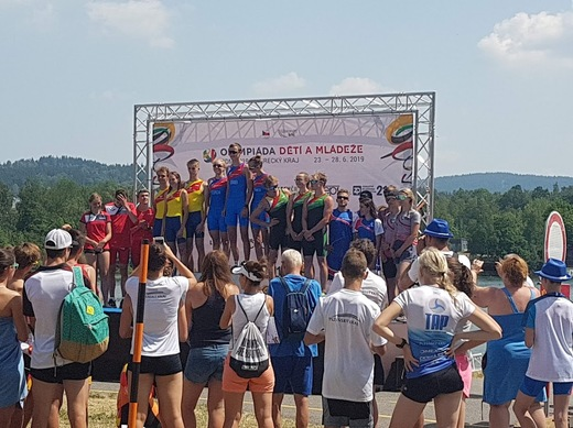 triatlon stafet stupně.jpg